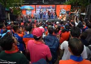 """หลังเคยมี """"ท่าเรือรักแป้งมาก"""" นี่เป็นภาคต่อของมาดามในงานเปิดตัวสปอนเซอร์ของทีม และยังจัดมินิคอนเสิร์ตสุดมันเอาใจแฟนบอลท่าเรือ รวมถึงคว้าชัยเหนือเชียงราย ยูไนเต็ด โกล ประเทศไทย ประมวลบรรยากาศมาให้ชมอีกครั้งหนึ่ง"""