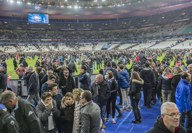 Three confirmed dead at Stade de France