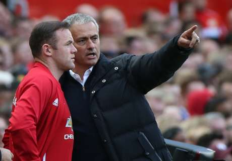Mourinho Persilakan Rooney Pergi