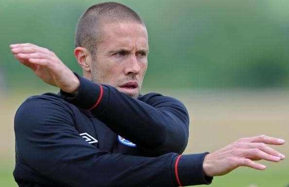 Former England defender Upson joins Leicester