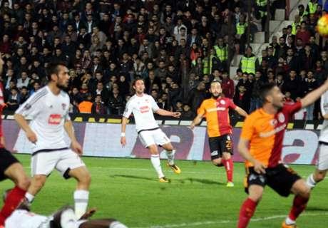 Galatasaray suspendu un an par l'UEFA !