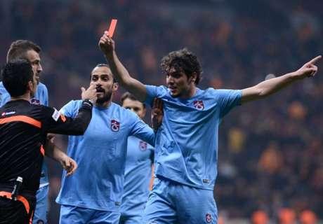 Jogador 'expulsa' árbitro na Turquia