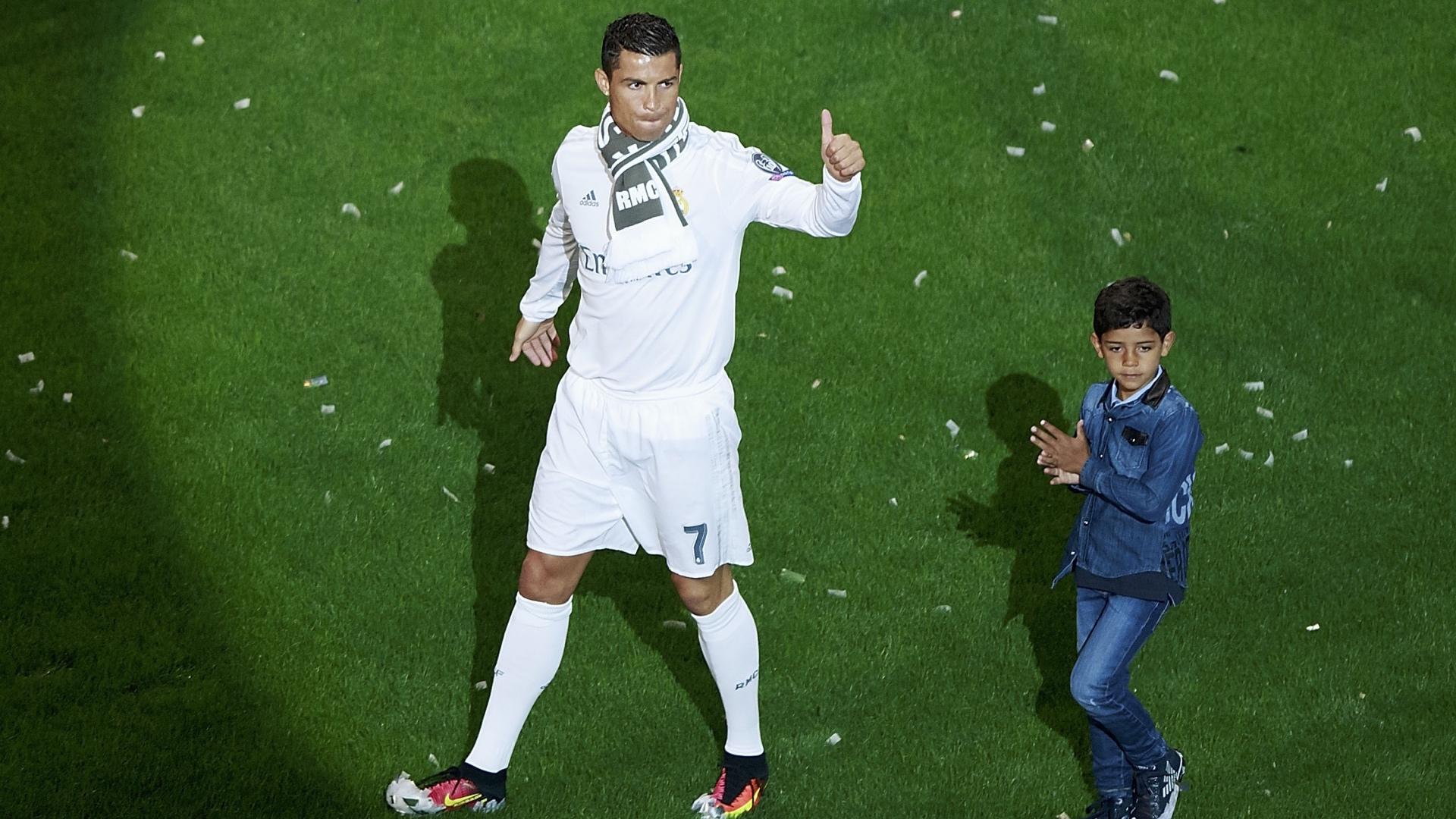 Jorge Sampaoli. Ronaldo tem um problema chamado