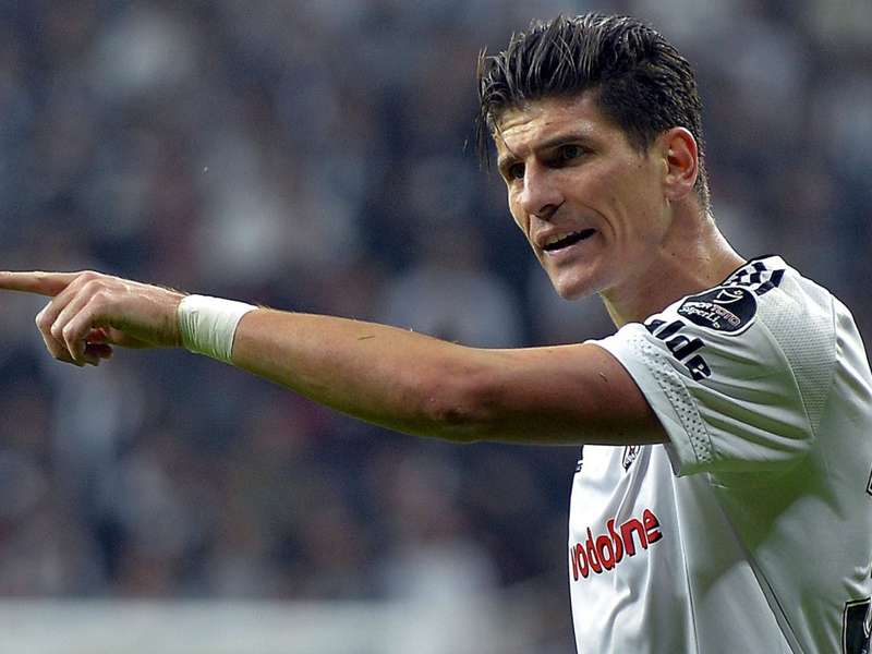 Mario Gomez Beşiktaş'ta kalacak mı? Alman basınına konuştu...