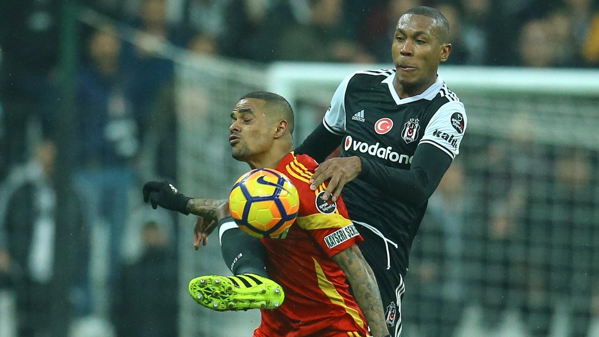 Beşiktaş'ta Marcelo gidiyor Vida ve Mangala geliyor