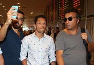 Adriano Correia and Besiktas fans