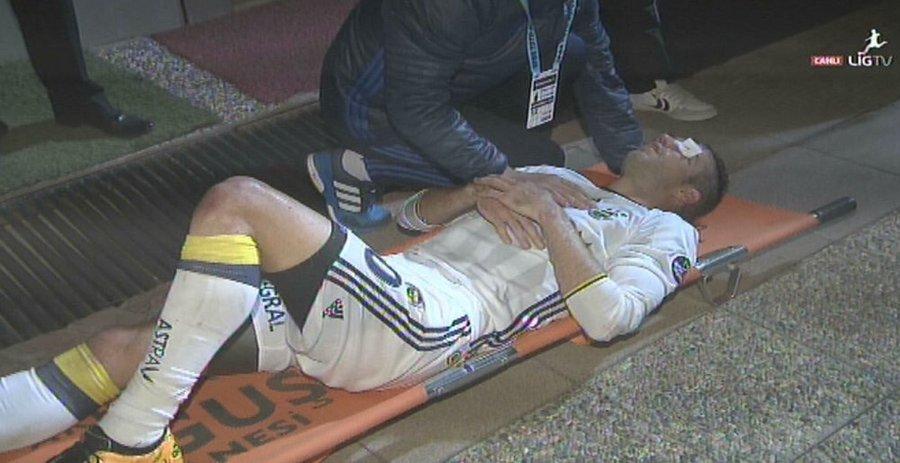 Van Persie ha rischiato di perdere un occhio dopo scontro in campo