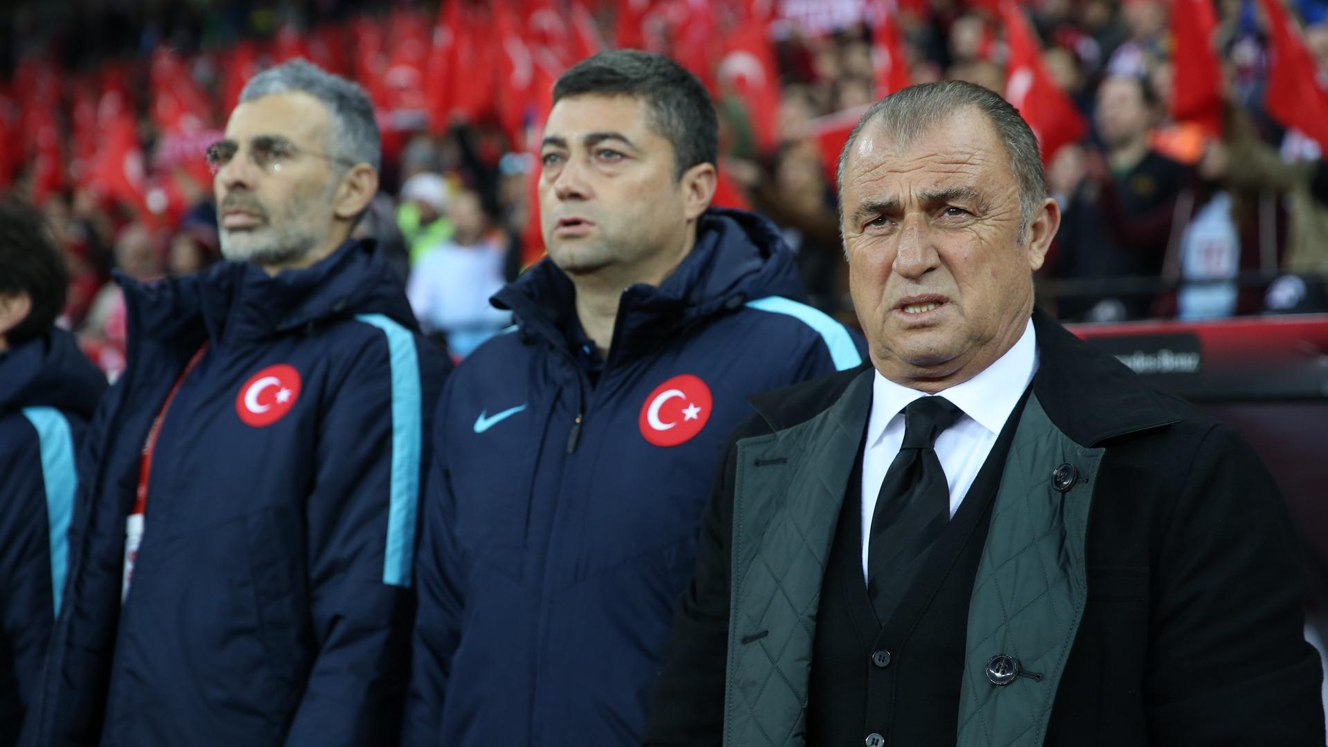 Le sélectionneur Fatih Terim présente sa démission