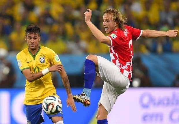 """Neymar se quedará """"muy tranquilo"""" si Ivan Rakitic ficha por el Barcelona"""
