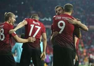 Monaco'ya 2 gol atan Cenk Tosun, Şampiyonlar Ligi'nde attığı gol sayısını 4'e çıkardı. Peki Şampiyonlar Ligi'nde Türk hangi futbolcular 5'ten fazla gol attı?