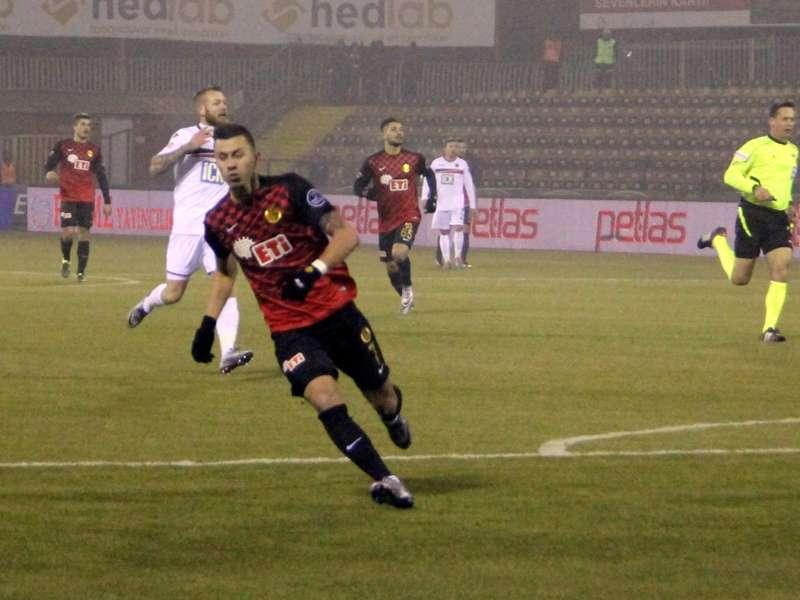 Emre Güral: Galatasaray ve Beşiktaş seçenekler arasında