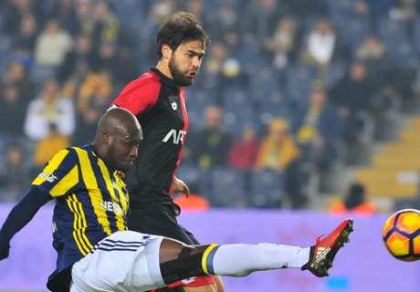 Fenerbahçe wint in slotfase, RvP valt uit