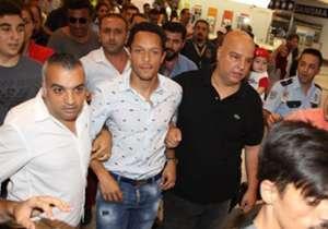 Beşiktaş'ın Barcelona'dan transferi Adriano Correia İstanbul'a ayak bastı. Yıldız futbolcuyu havalimanında Beşiktaşlı taraftarlar karşıladı. İşte o görüntüler...