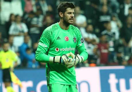 Champions: goleiro chora após gol