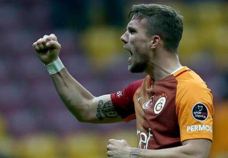 Poldi bedauert Entwicklung im Fußball