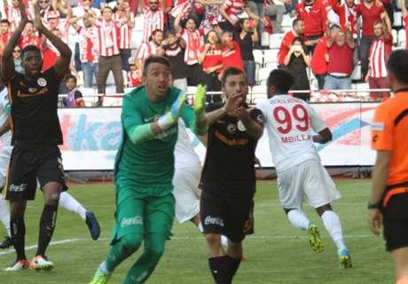 Eto'o come Diego: segna di mano!