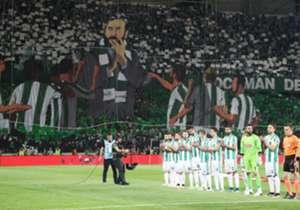 <p><strong>Atiker Konyaspor</strong></p> <p>Geride kalan sezonun belki de en flaş takımı olan Konyaspor, UEFA Avrupa Ligi'ne doğrudan katılım hakkı elde etmesiyle kombine satışlarını adeta patlattı.Yeşil beyazlı kulüpten yapılan a&ccedi...