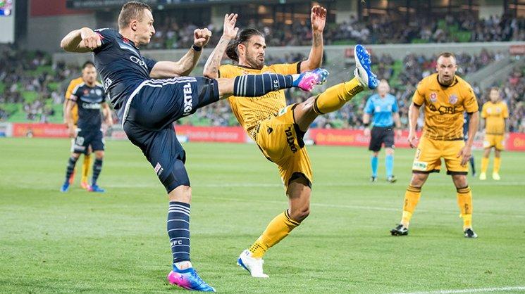 Besart Berisha provides an assist for Fahid Ben Khalfallah to score a goal against Perth Glory.