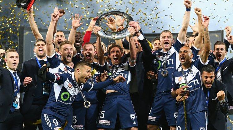 Melbourne Victory celebrates its Hyundai A-League 2015 Championship win.