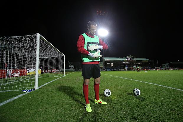 Bowling preparing for Broadmeadow Magic during their 2014 FFA Cup campaign