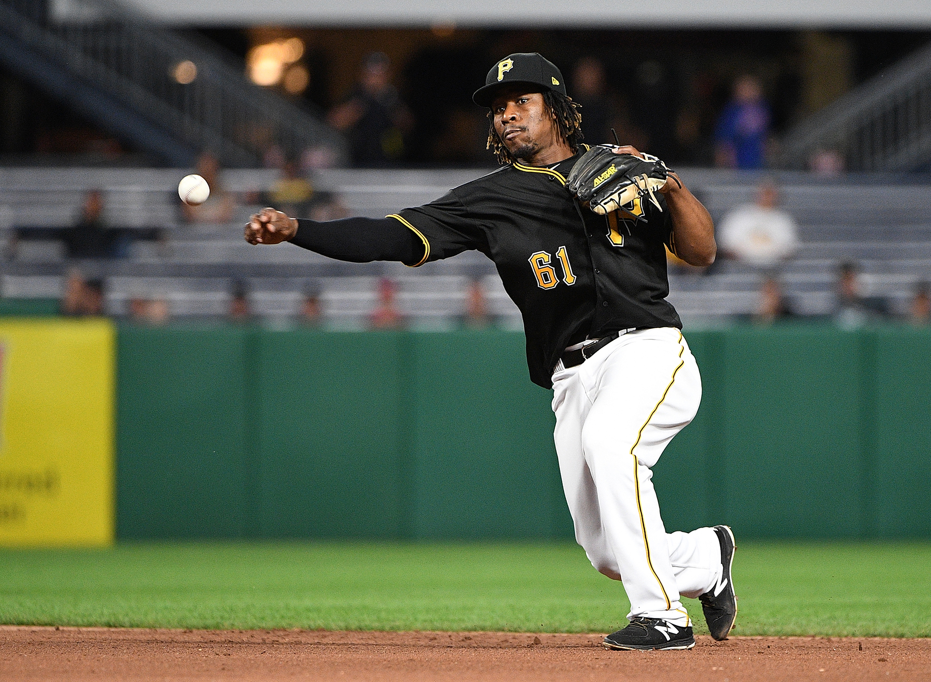 Blue Jays acquire Gift Ngoepe from the Pirates
