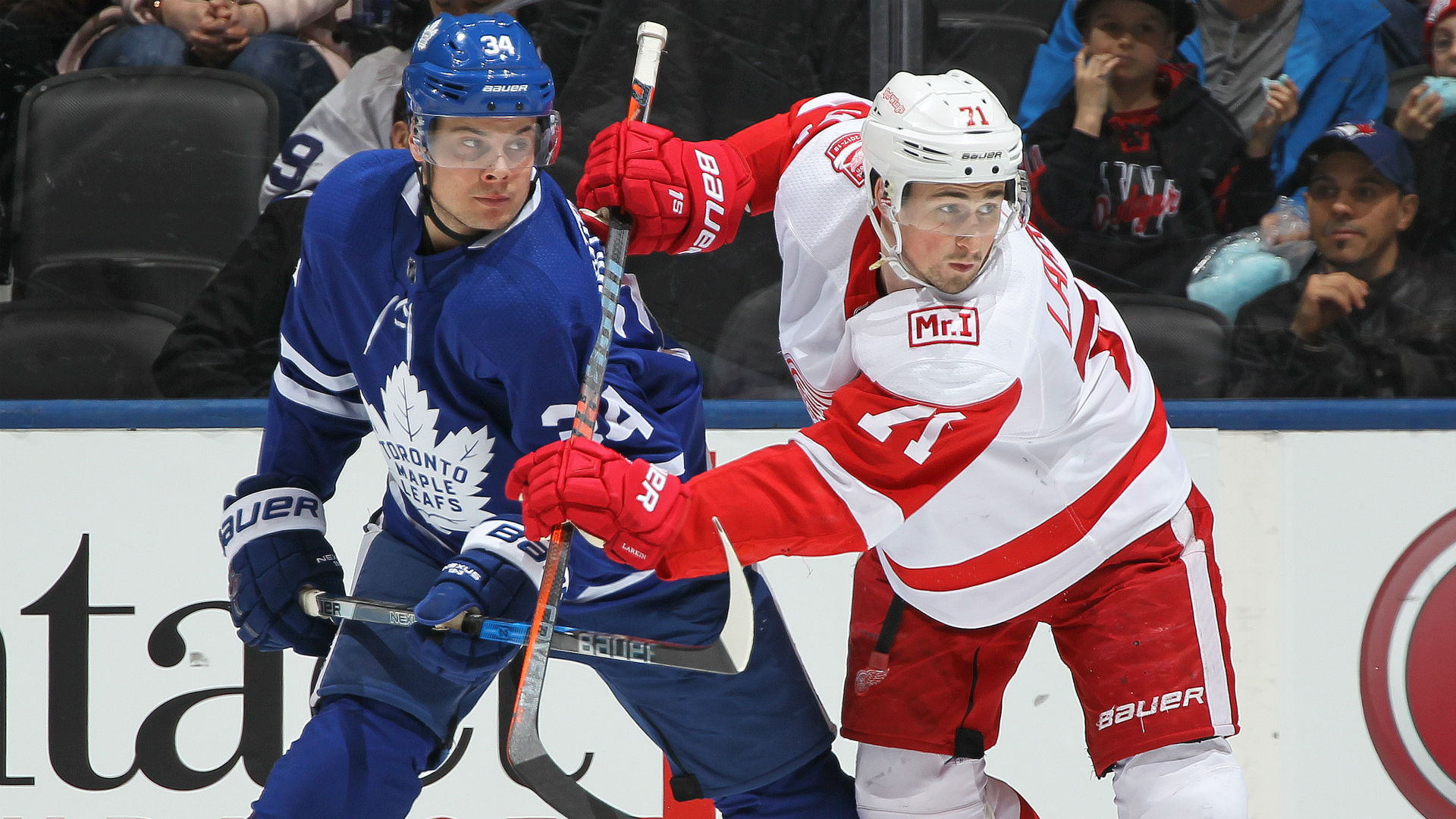 Kadri's late tally leads Maple Leafs past slumping Red Wings