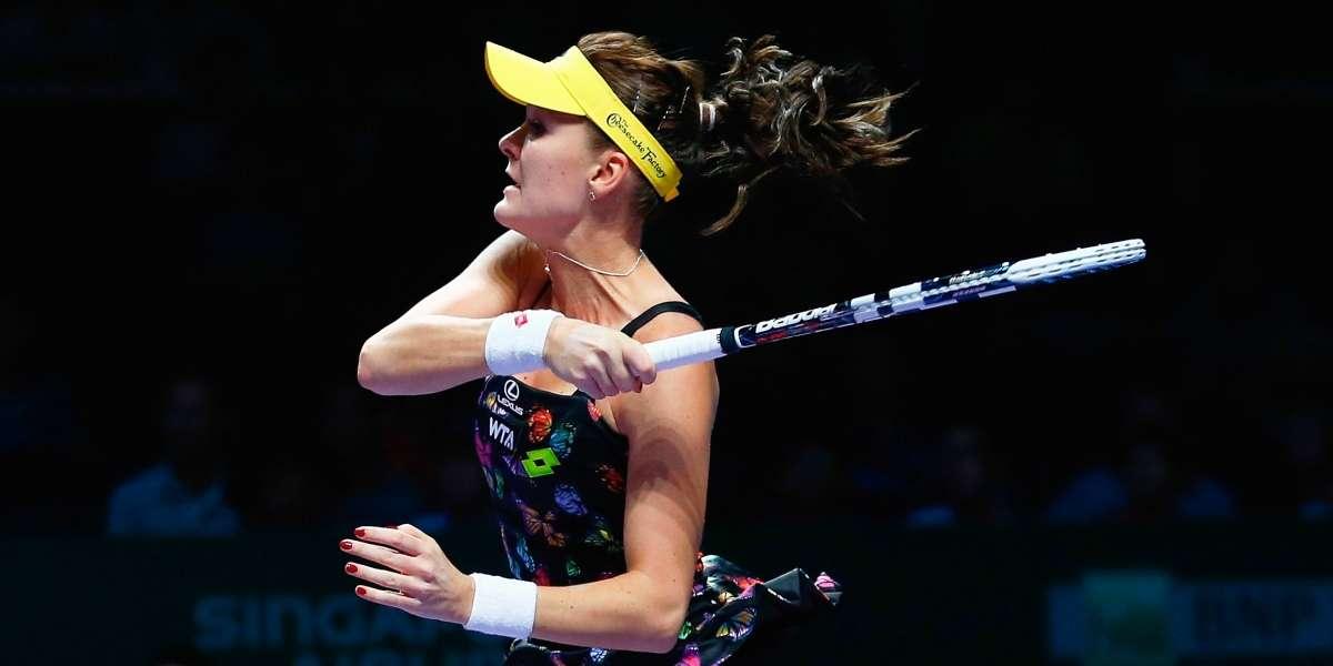 Kvitova, Radwanska finally hit court