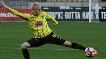 Wellington Phoenix 5-0 Newcastle Jets: in pictures
