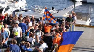 Supportere lader opp til Molde - AaFK i 2010