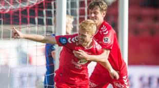 Brann - Stabæk 1-0: Jakob Orlov jubler med Sivert Heltne Nilsen