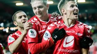 Brann - Bærum: Amin Nouri og Erik Huseklepp jubler med Steffen Lie Skålevik