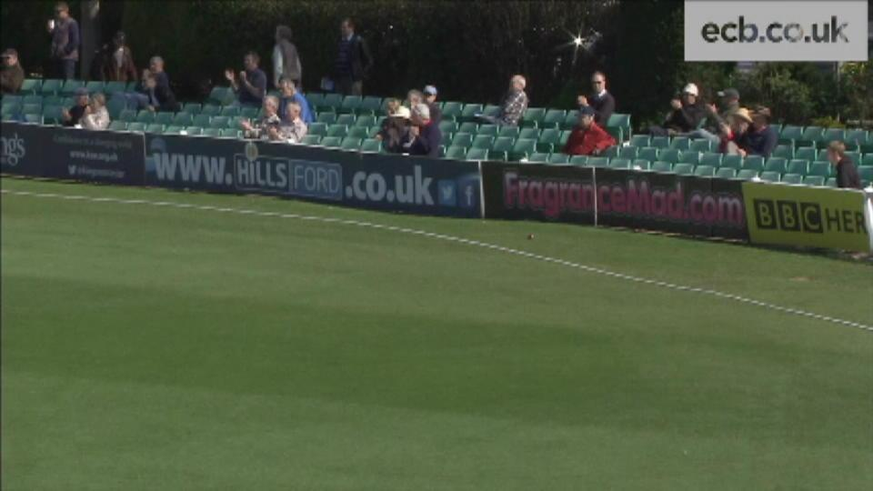 Worcestershire v Yorkshire - Day 3