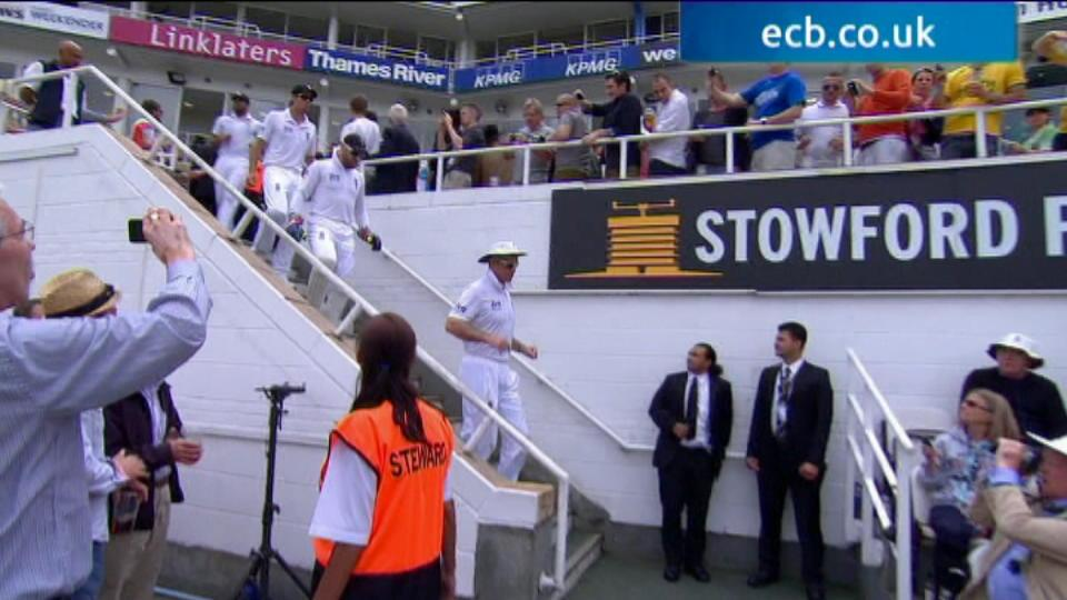 1st Investec Test - The Kia Oval - Day 3 afternoon