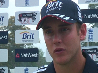 Broad praises England performance