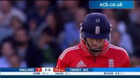 England v New Zealand - 1st Int T20 highlights, ENG innings