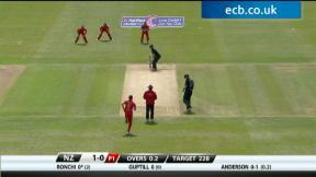 England v New Zealand - 1st ODI highlights, NZ Innings