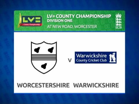 Worcestershire v Warwickshire - Day 2- Bears remain on course