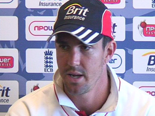 Pietersen knocks gives England solid lead