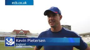 Pietersen praises England's application