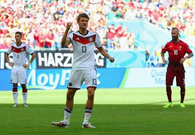 Thomas Muller catat hat-trick di laga perdana.