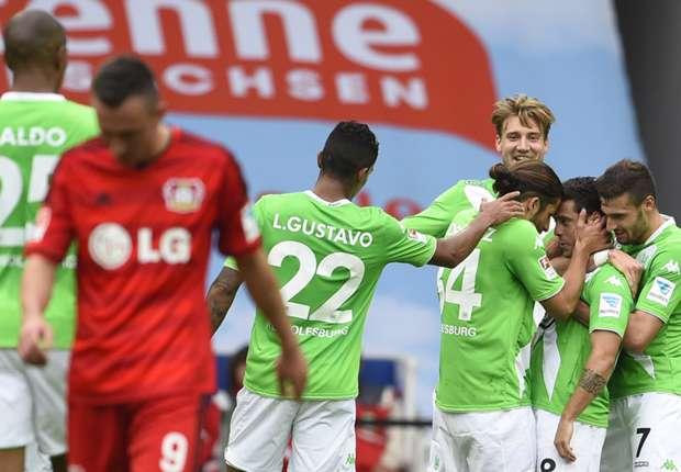 Während Wolfsburg den ersten Sieg feiert, ärgert man sich bei Bayer über die erste Pleite