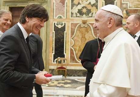 In Beeld: Mannschaft bezoekt paus