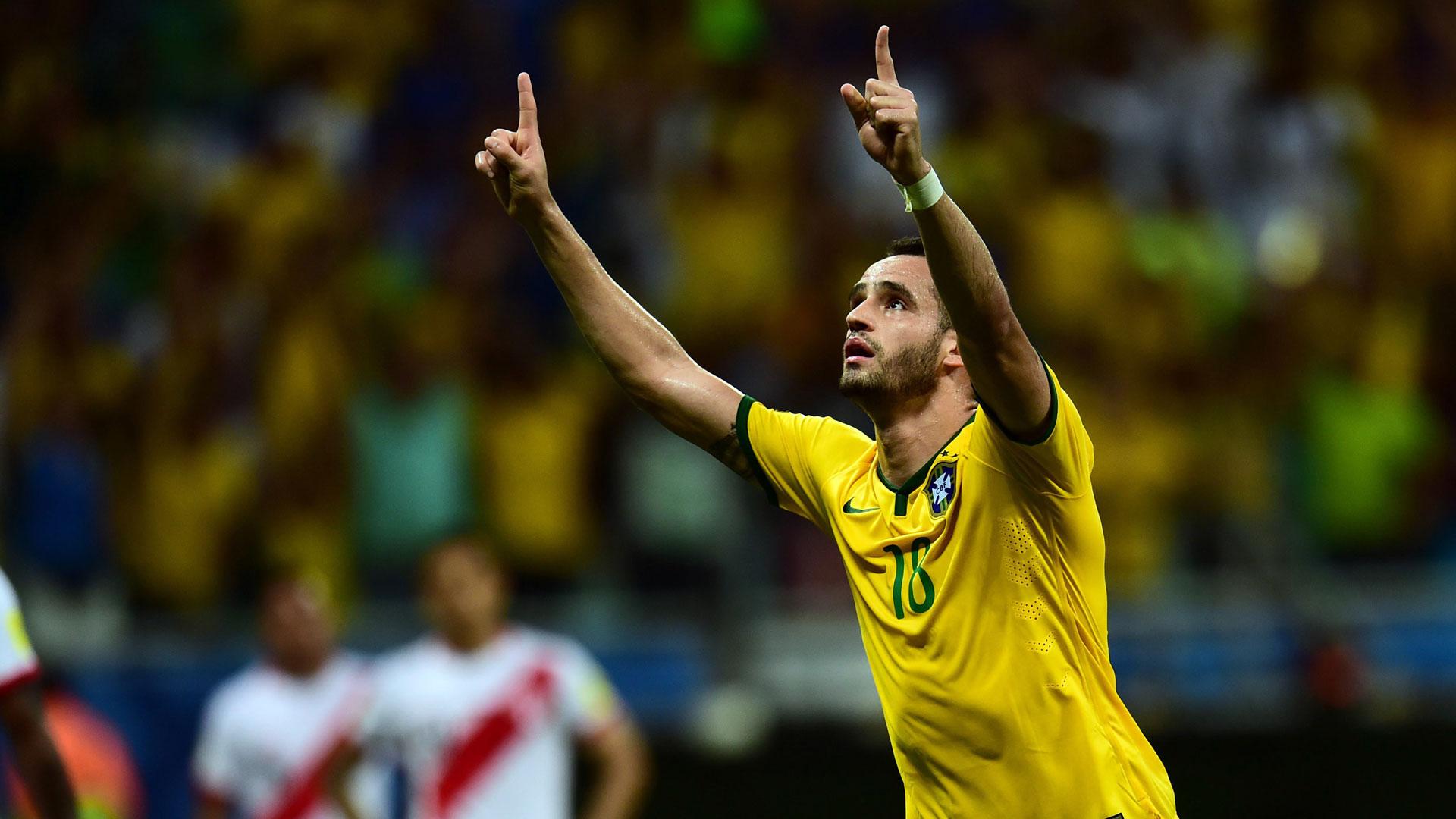 Gabriel Jesus, Neymar team up as Brazil beats Ecuador 3-0