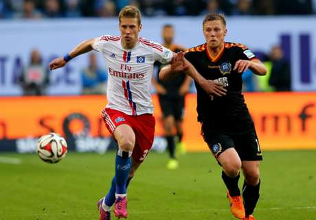 Hamburg Bertahan Di Bundesliga