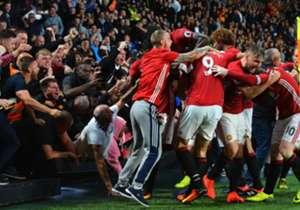 Nach dem dritten Spieltag konnten sich Chelsea, Manchester United und Manchester City mit drei Siegen an der Spitze absetzen. Aber auch Arsenal und andere Teams sorgten für Schlagzeilen - die Tops und Flops des Spieltags hat Goal zusammengestellt.<p><a...