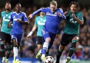 Nach zwei erfolgreichen Jahren in Leverkusen wagte Andre Schürrle im Sommer 2013 den Schritt nach London zum FC Chelsea und Jose Mourinho. Konnte er dort in seiner Debütsaison noch mit 43 Pflichtspieleinsätzen (9 Tore) glänzen, wurde er in der Hinrunde...
