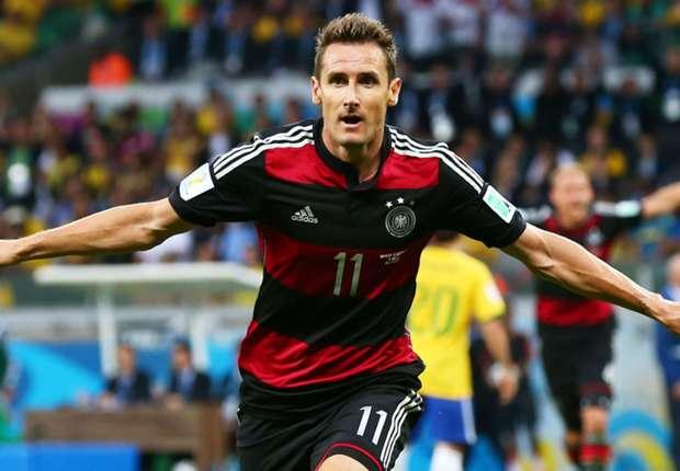 Retro - Miroslav Klose, sur le toit du monde