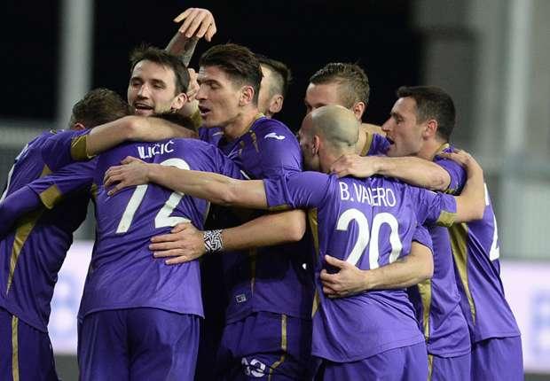 Mario Gomez (Mitte) konnte mit seinen Teamkameraden seine Saisontreffer drei und vier bejubeln