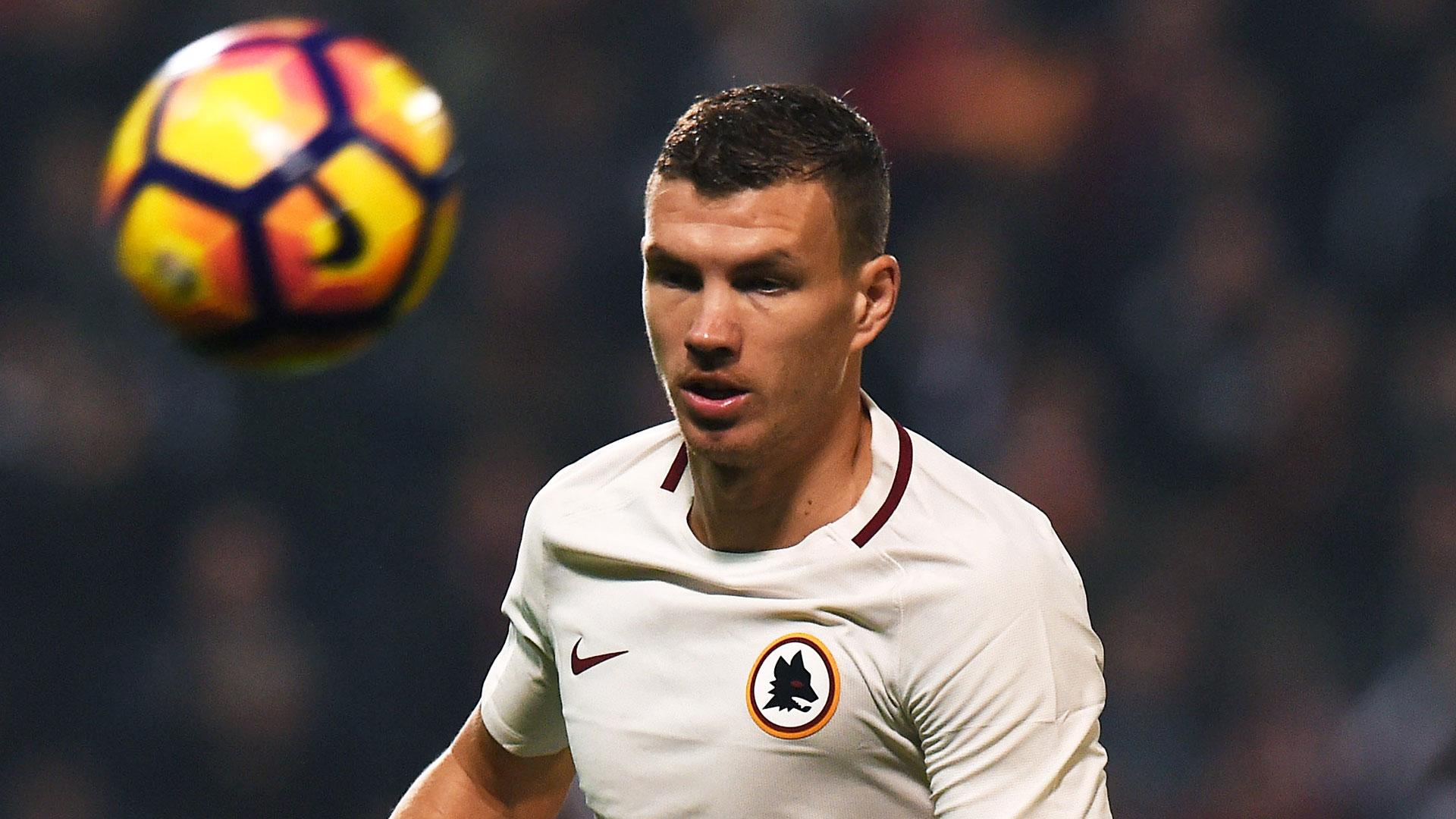 Football: Le Bosnien Dzeko exclu pour avoir baissé le short d'un Grec