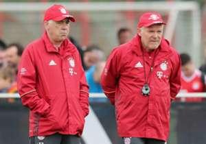 Hermann Gerland (r.) ist derzeit Carlo Ancelottis Co-Trainer